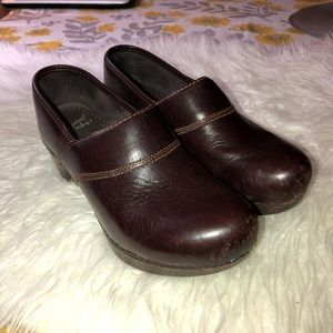 DANSKO Riki Crazy Horse Studded Heel Clogs Sz 6.5